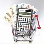 Taschenrechner im Einkaufswagen