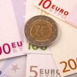 Geldscheine mit einer Münze