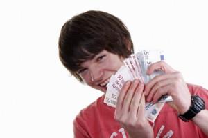 Jugendlicher mit Geldscheine