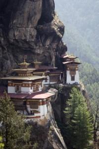 Gebäude in Berg gebaut