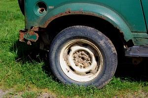Bild: Ausschnitt verrostetes Auto