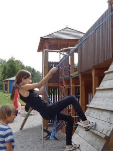 Mädchen auf dem Spielsplatz