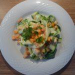 Zucchinibandnudeln mit Karotten- Zitronensoße