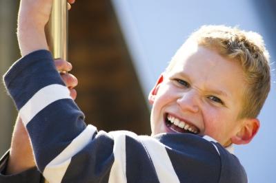 Kinder möchten spüren, dass ihre Anstrengung anerkannt wird. (Foto: Andreas Zöllick/pixelio.de)