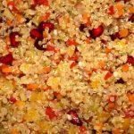 Quinoasalat mit Jungzwieb