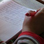 Stehtische in Schulen verbessern Aufmerksamkeit
