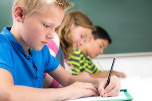 Schule 4.0 setzt auf digitale Kompetenzen, die Neue Oberstufe will Sitzenbleiben eliminieren. Foto: Fotolia/pictworks