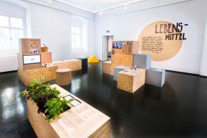 WEGE_ZUM_GLUECK_Ausstellung_(7)