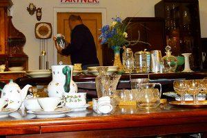 Im ARGE Trödlerladen findet man Raritäten und ausgefallene Einzelstücke für wenig Geld.
