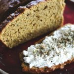Karotten-Thymian-Brot