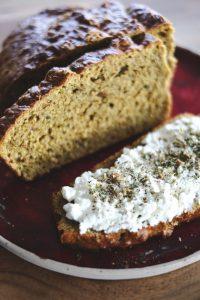 Karotten-Thhymian-Brot
