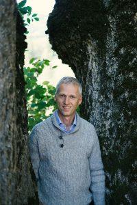 Erwin Thoma baut seit über 15 Jahren Holzhäuser - ohne Chemie und ohne Metall.