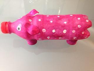 Ein Süßes Sparschwein Aus Plastikflaschen Grünschnabel
